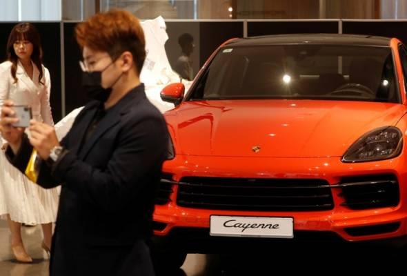 Ganjaran hadapi COVID-19, komuniti kaya Korea Selatan 'gila' beli kereta mewah