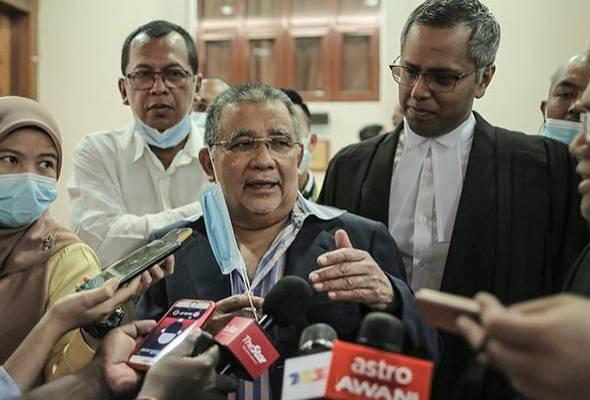 Isa Samad lepas tuduhan pecah amanah, diarah bela diri 9 tuduhan rasuah