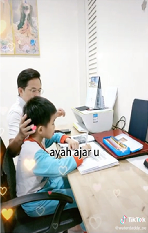 Alfred terkenal kerana banyak menghasilkan video kelakar dan dia juga menggunakan Bahasa Melayu dalam videonya.