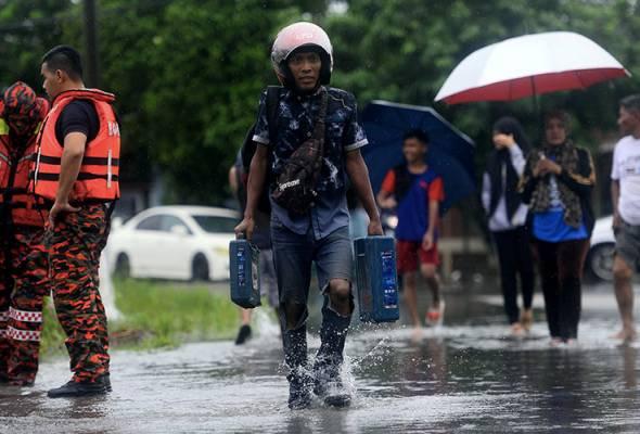 Mangsa banjir di Muar, Tangkak berkurangan kepada 159 orang pagi ini