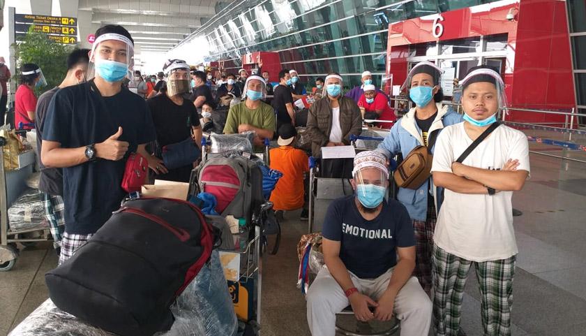 Rakyat Malaysia dan beberapa jemaah tabligh yang terkandas di India sejak Mac lalu selamat tiba di KLIA pagi Sabtu.