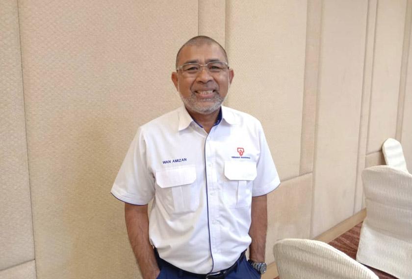 Pemenang kategori majikan, Ir. Wan Amizan Wan Yunus dari tenaga Nasional Berhad (TNB).