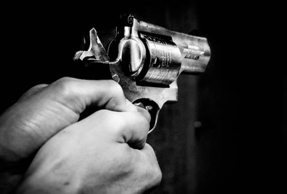 Wanita tembak teman lelaki kerana enggan berdebat
