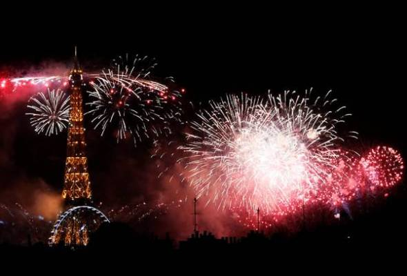 Puncak Menara Eiffel kini dibuka, rancakkan semula pelancongan Perancis