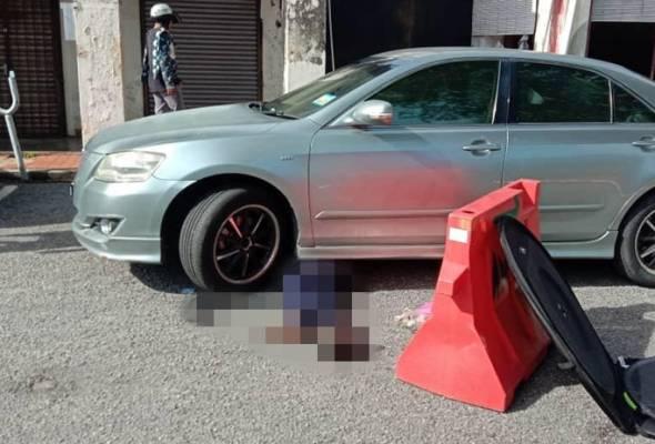 Penjaga parkir maut digilis kereta mengundur selepas kutip bayaran