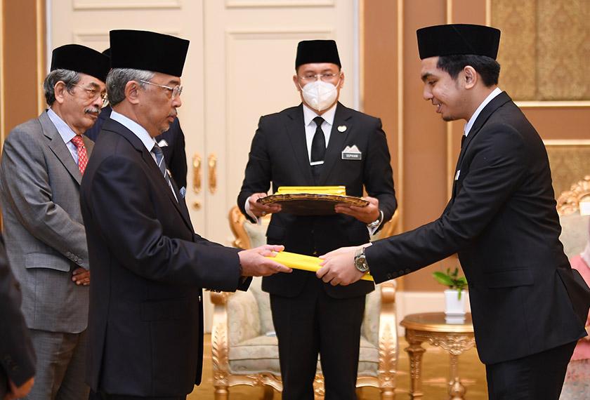 Mohamad Khairul Hafizi Rahimi akan melanjutkan pengajian di peringkat Sarjana dalam bidang Kejuruteraan Elektrik di Universiti Kebangsaan Malaysia (UKM). - Foto BERNAMA
