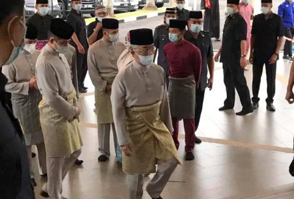 Agong, Permaisuri tunai solat Aidiladha di Masjid Tengku Ampuan Afzan