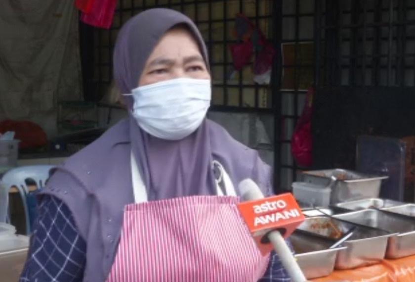 Mempunyai lima anak, dua masih belajar, Nawirah memanfaatkan kebolehannya dalam memasak untuk mencari wang lebih buat keluarganya.