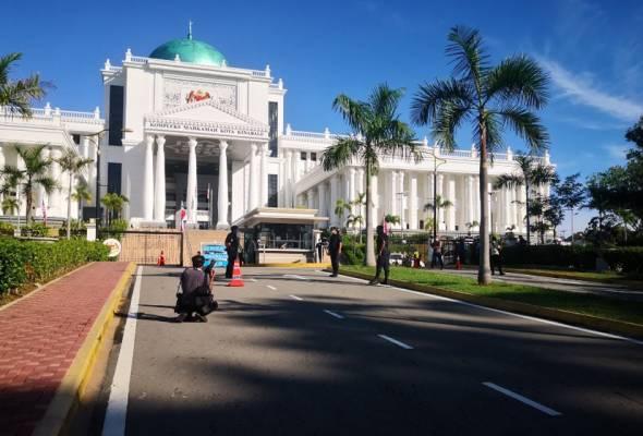 Prosiding kes pembubaran DUN Sabah bermula