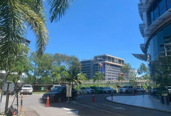 PRN Sabah: Situasi lengang sekitar Bangunan UMNO Sabah