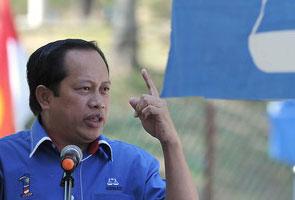 Serangan Tun M terhadap Najib punca nilai ringgit jatuh, kata Ahmad Maslan