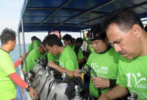 Taking a dive for Merdeka in Tioman