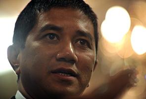 Kes liwat Anwar: Azmin buat tiga tuntutan dari Najib