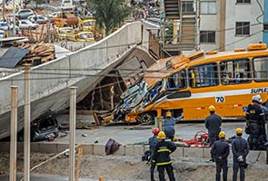 Overpass collapse killing two in Brazil World Cup city