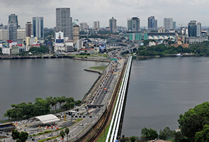 Bina atau tidak?: Jambatan bengkok Selat Johor
