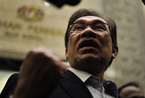 Pakatan Rakyat pura-pura sedih Anwar masuk penjara - Noorazli
