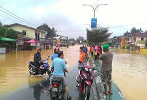 Lebih 90,000 mangsa banjir di lima negeri dipindahkan