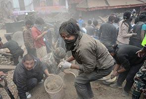 Gegaran susulan 6.9 magnitud gegar Nepal, jumlah kematian cecah 2,500 nyawa