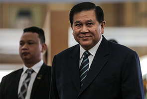 The meeting which began at 9am was held between Anifah, Thailands deputy prime minister general Tanasak Patimapragorn (pic) and Indonesias foreign minister Retno Marsudi. | Astro Awani