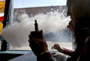 Temporarily stop e-cigarettes and shisha smoking, says Dr Subramaniam