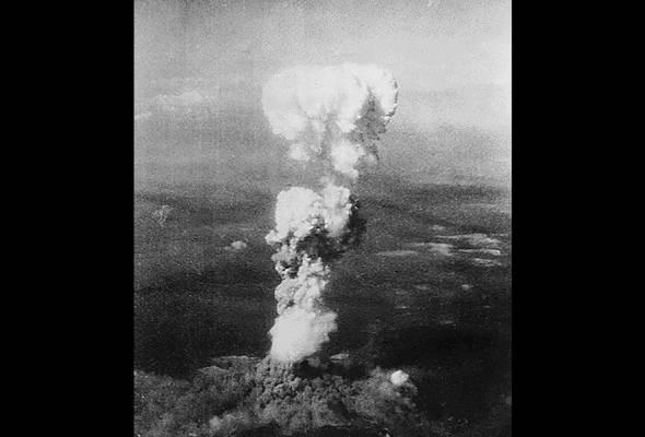 Sempena ulang tahun memperingati peristiwa pengeboman bom atom di Hiroshima dan Nagasaki ke-70, berikut 10 fakta penting yang anda perlu tahu mengenai serangan tersebut. -Gambar AFP | Astro Awani