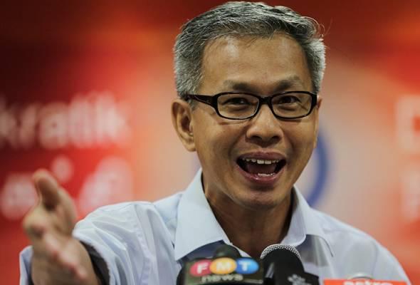 Khalid melalui Twitternya menyifatkan bahawa tweet Tony Pua mengelirukan umum. - Gambar fail | Astro Awani
