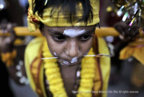 Thaipusam is celebrated by Hindus throughout the world during the 10th month in the Tamil calendar to commemorate the birth of Lord Murugan, the youngest son of Lord Shiva and Goddess Parvati. - Filepic | Astro Awani