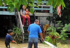 Number of flood evacuees in Sarawak 7,965 as at noon