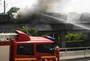 310 passengers stranded as Ekspres Rakyat train engine catches fire