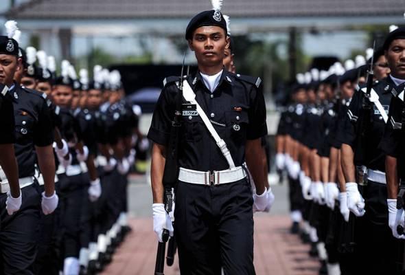 Perlu lepasi ujian agama, moral untuk jadi polis | Astro Awani