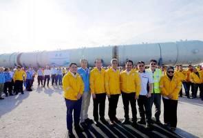Petronas receives tallest, heaviest fractionator process column in Malaysia