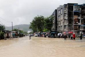 Beberapa kawasan di Pulau Pinang dilanda banjir kilat
