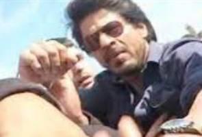 Peminat hampa selepas Shah Rukh Khan marah dan nyaris menumbuknya