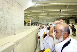 Jemaah haji Malaysia berada di Mina untuk ibadah melontar