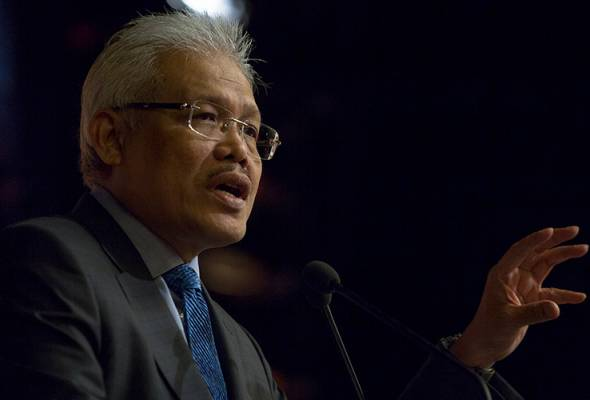 Petrol prices may be further liberalised - Hamzah | Astro Awani
