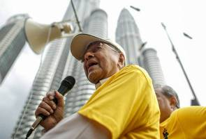 Dr Mahathir willingly become opposition's Trojan Horse - Nazri