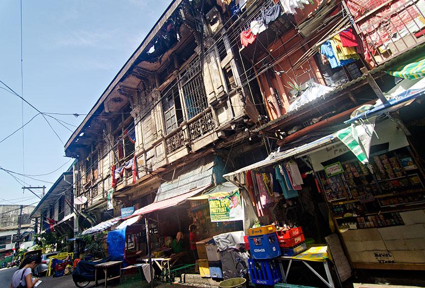Harga pasaran dadah popular di jalanan Manila telah jatuh menjunam sejak Presiden Rodrigo Duterte melancarkan perang membanteras aktiviti terkait dengannya.
