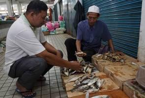 Ikan kembong mahal: Ayam dan ikan kering pilihan utama pembeli