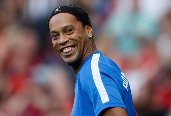 Bekas bintang bola sepak Ronaldinho positif COVID-19