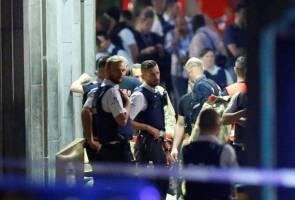 Belgian troops kill 'terrorist' bomber in Brussels train station