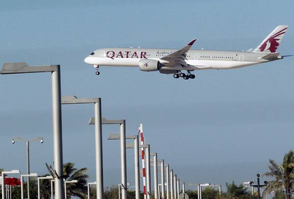 Saudi Arabia, Egypt, UAE and Bahrain severed diplomatic ties with Qatar on Monday over its alleged support for militants. Transport links closed. - Filepic | Astro Awani