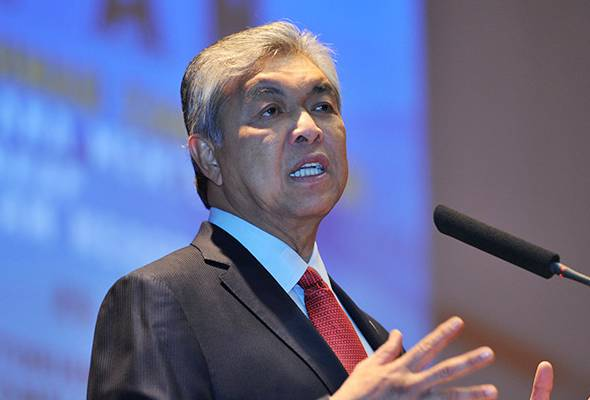 AHMAD ZAHID: We can place strong confidence in the MACC especially in determining that the public project is enjoyed by the people and not dropped halfway or leaked due to several individuals having their own agenda. - Filepic | Astro Awani