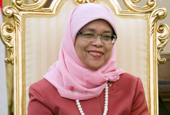 Halimah Yacob merupakan satu-satunya calon presiden yang menerima Sijil Kelayakan oleh Jabatan Pilihanraya Singapura (ELD) bagi Pilihanraya Presiden 2017 baru-baru ini. Beliau akan diumumkan sebagai presiden secara rasmi pada Rabu. - gambar fail | Astro Awani