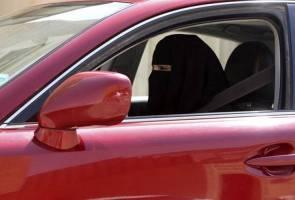 Arab Saudi benar wanita memandu