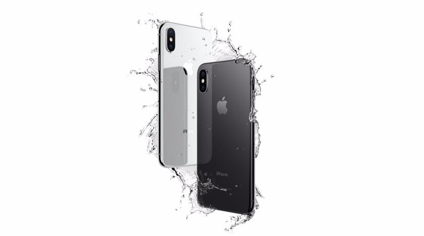 Apple yang merupakan jenama paling berharga di dunia buat 9 tahun berturut-turut merekodkan penjualan iPhone lebih rendah terutama di China apabila masyarakat negara itu memilih untuk membeli produk Huawei Technologies dan Xiaomi. - Gambar fail