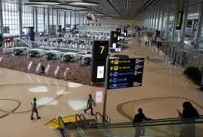 Changi: 18 penerbangan lewat, tujuh ubah haluan akibat cuaca dan dron
