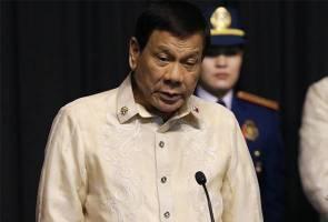 Duterte 'akur' arahan Trump, nyanyi lagu cinta