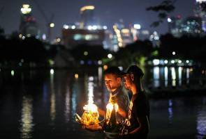 After year of mourning Thailand's 'floating basket' festival returns