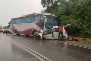 Kemalangan maut lima sekeluarga: Kereta hilang kawalan bertembung bas ekspres - polis