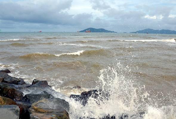 Fenomena air laut pasang besar di pesisir pantai Selangor terkawal - UPBN